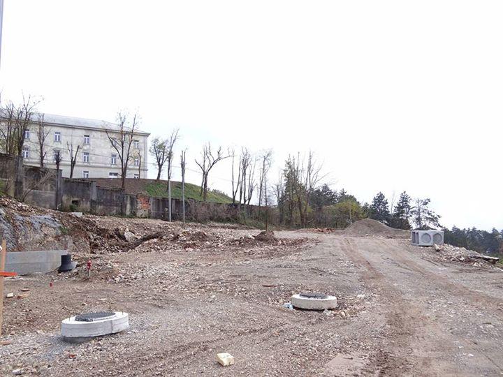 Ureja se tudi parkirišče za avtodome.